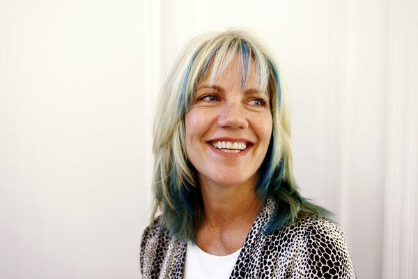 20120828-women-hair-color-slide-N2II-articleLarge.jpg